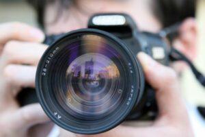 Der Digitalkamera-Markt 2019/2020: Siegeszug der DSLM – bei schrumpfendem Marktanteil