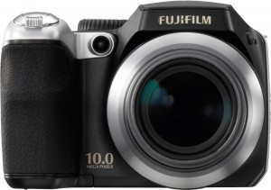 Kompakte Digitalkamera: Die Fujifilm Finepix S8100fd