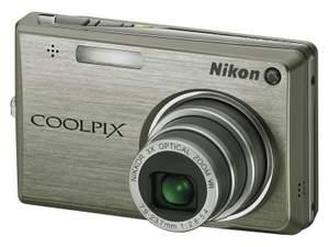 Elegant: Nikon Digitalkamera Coolpix S 700