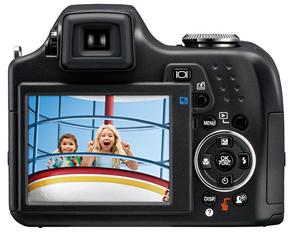Digitalkamera Olympus SP 590 UZ (Foto: Olympus)