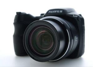 Fujifilm Finepix S2100HD Digitalkamera (Foto: Fujifilm)