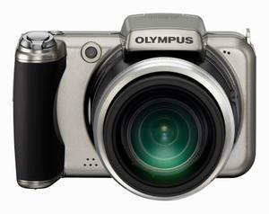 Olympus SP-800 UZ Digitalkamera (Foto: Olympus)