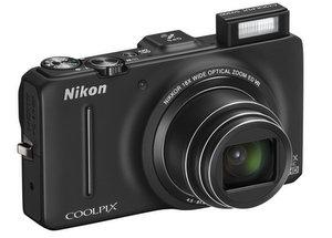 Unterkühltes Design: Nikon Coolpix S9300 Digitalkamera