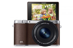 Samsung NX3000 Systemkamera im Retrolook